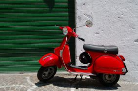 vespa-picture-by-vinzoo-cc-by-nc-sa-2-0